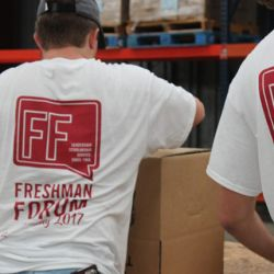 Freshman Forum serves at West Alabama Food Bank.